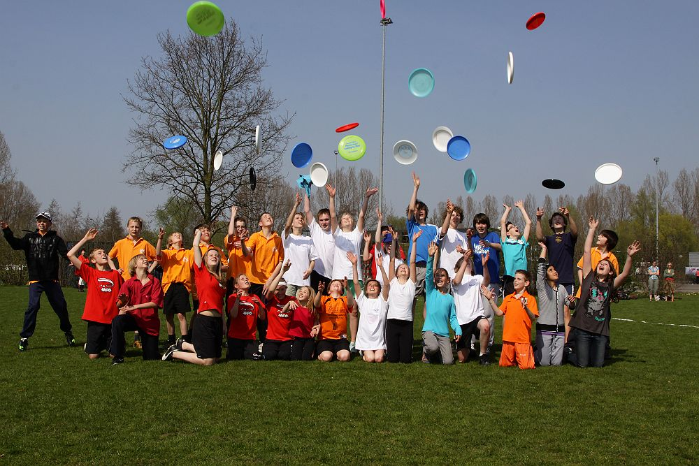 Frisbeeclinics -Jeugd HAT-toernooi groot succes